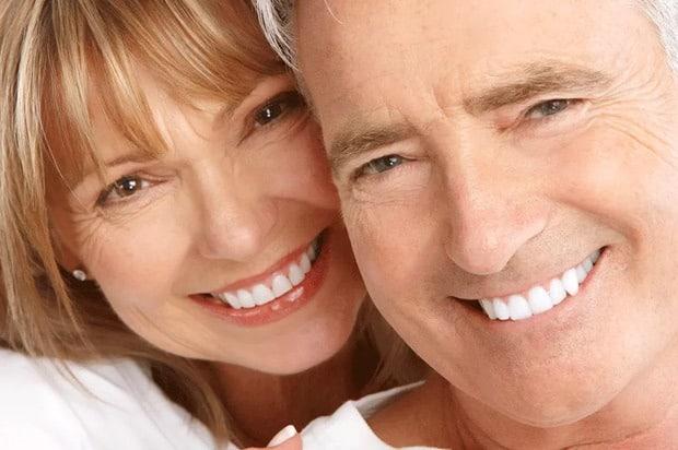 Los implantes mejoran tu salud bucodental - C.O.V