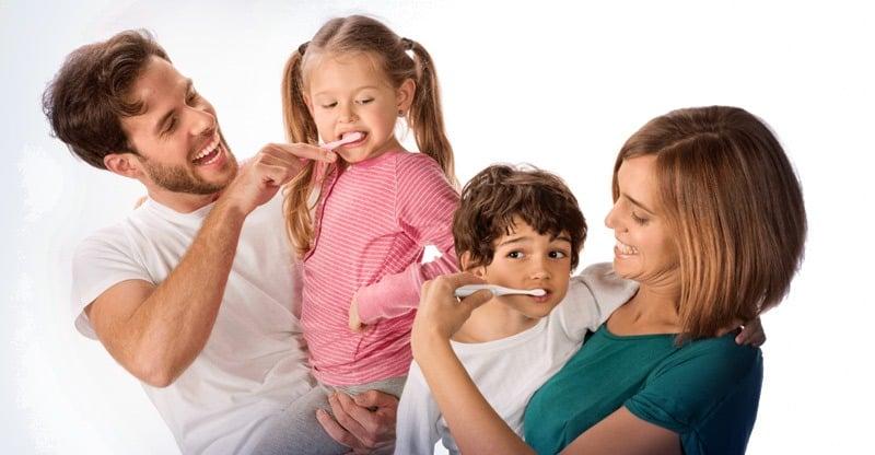 Cepillo eléctrico o manual - Clinica Cov